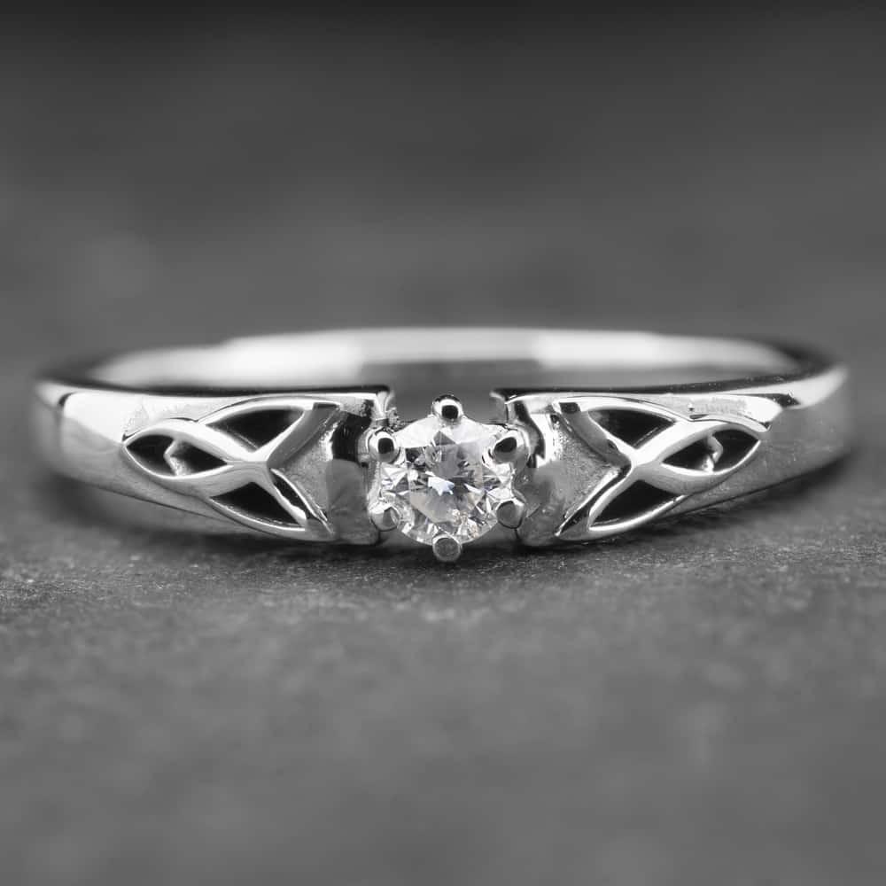 "Auksinis žiedas su Briliantu ""Fortune"""