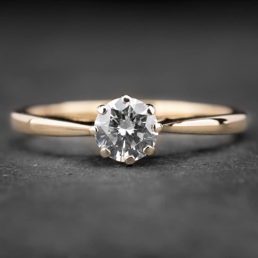 """Auksinis žiedas su Briliantais """"Kunigaikštytė 52"""""""