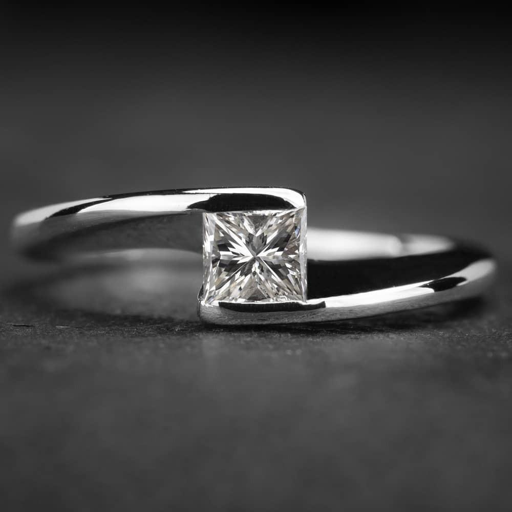 """Auksinis žiedas su Deimantu """"Princess 11"""""""