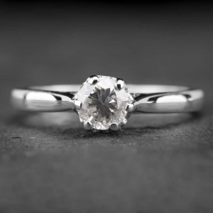 """Auksinis žiedas su Briliantu """"Kunigaikštytė 56"""""""