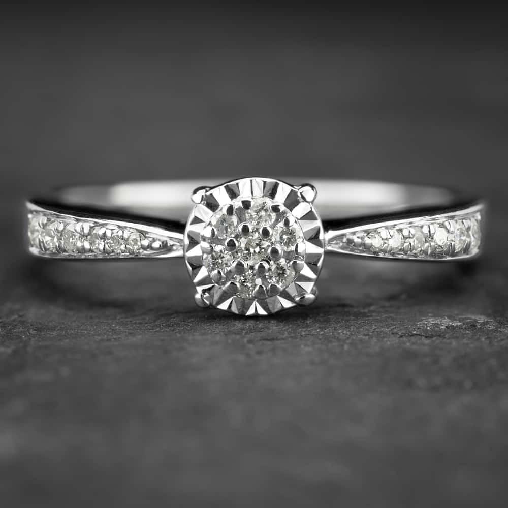 """Auksinis žiedas su Briliantu """"Nuostabusis 8"""""""
