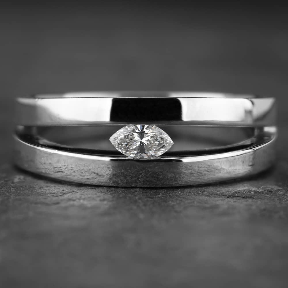 """Auksinis žiedas su Deimantu """"Marquise"""""""