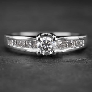 """Auksinis žiedas su Deimantais """"Tiara 13"""""""