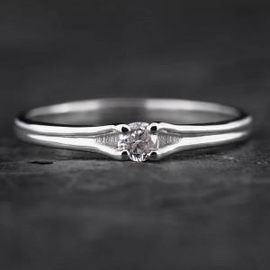 """Sužadėtuvių žiedas su Briliantu """"Subtilumas 3"""""""