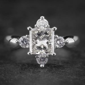"""Sužadėtuvių žiedas su Deimantu """"Royal"""""""