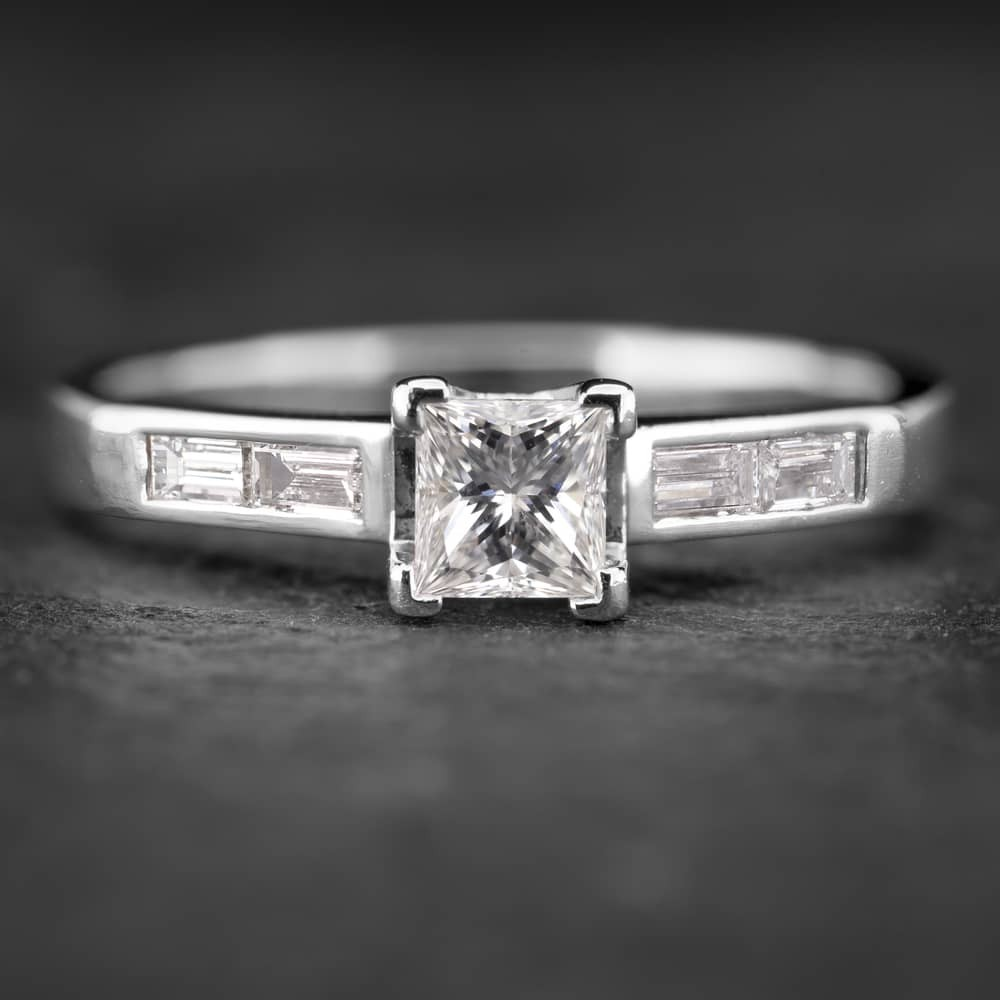 """Platinos žiedas su Deimantais """"Tiara 15"""""""