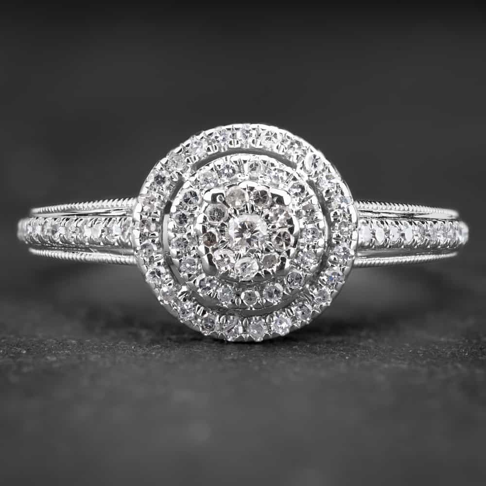 """Sužadėtuvių žiedas su Briliantais """"Shiny Bunch 9"""""""