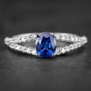 """Auksinis žiedas su Brangakmeniais """"Aristokratas VI"""""""